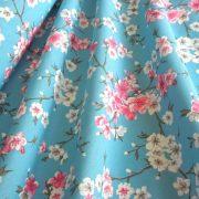 MULAN, cseresznyevirág mintás lakástextil, dekorvászon - kék-rózsaszín