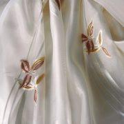 HELLA, caffelatte nyírt organza függönyanyag, barna virágmintával