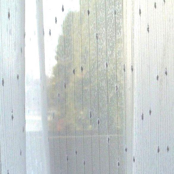 RITA, fehér noppos szablé fényáteresztő függönyanyag, 220 cm magas