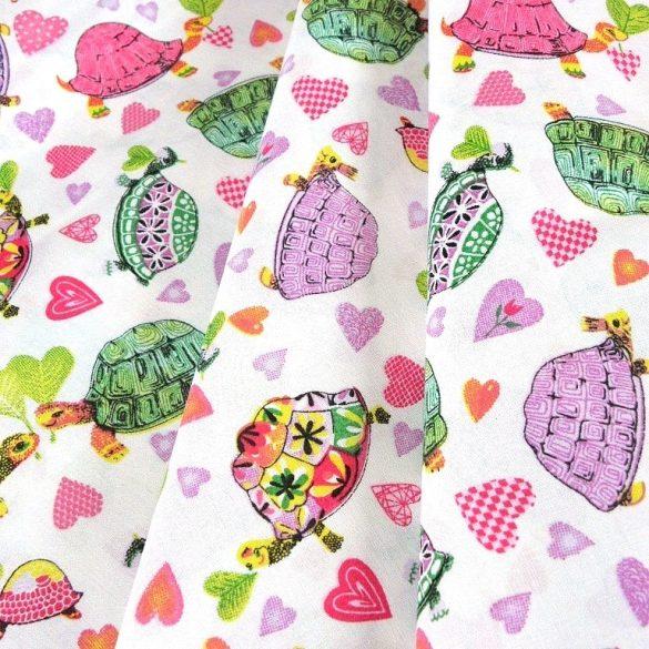 TEKNŐCE, színes teknősbékás, szívecskés pamutvászon méteráru