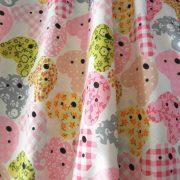 MACKÓ, színes macifej mintás pamut vászon, rózsaszín