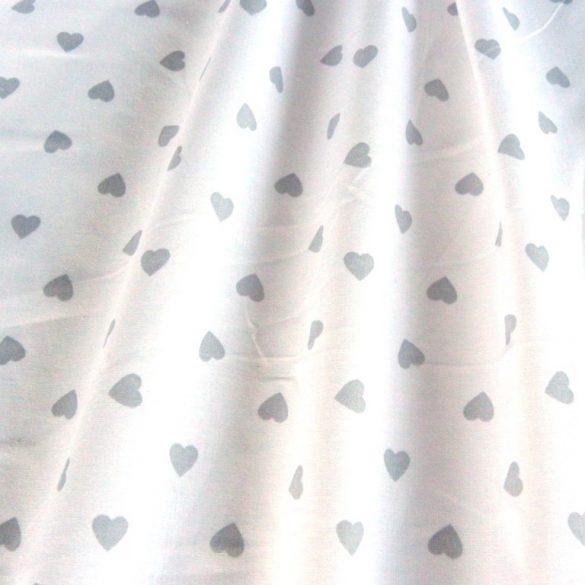 Fehér, szürke szív mintás, extra széles pamutvászon