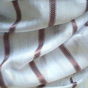 Fehér voile fényáteresztő függöny anyag, padlizsánlila selyemfényű csíkmintával, maradék darab: 1,20 m