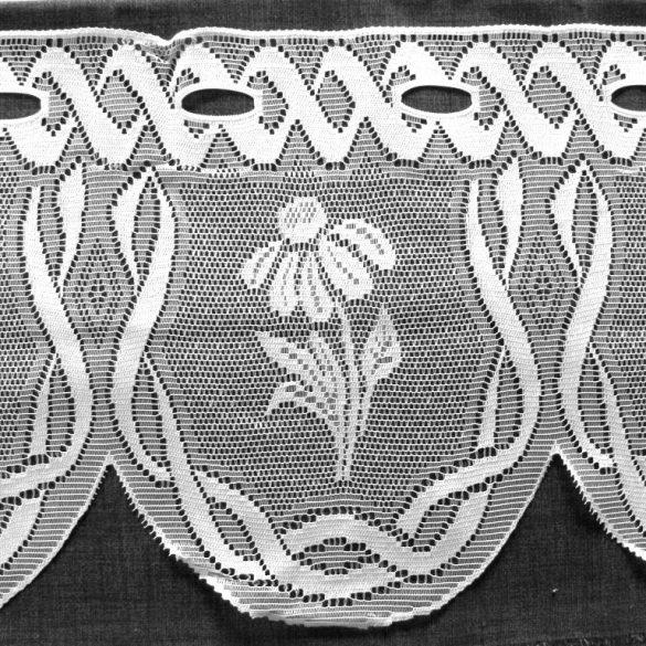 Vitrázs függöny, KAMILLA fehér virágos, 30 cm magas