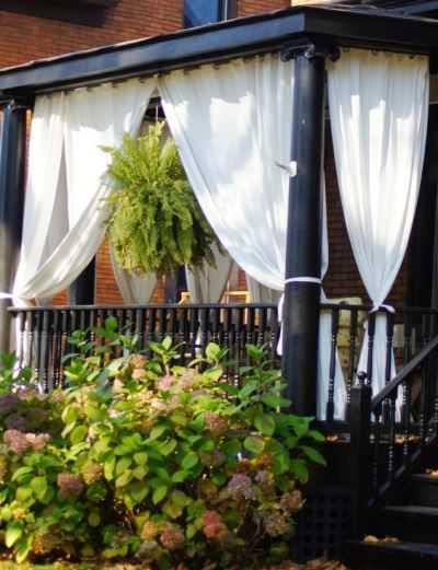 Függöny a verandán