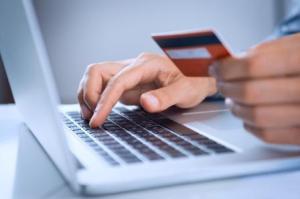 Ezért idegenkednek a magyarok a bankkártyás fizetéstől ← hír